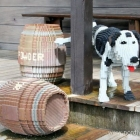 pinkelnder Hund im Legoland