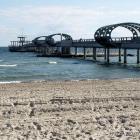 Die Seebrücke mit den einzelnen Badeinseln und dem Anleger