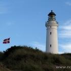 Der Leuchtturm vom Strand aus gesehen